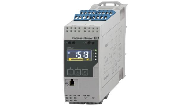 Procesný prevodník s riadiacou jednotkou, napájaním prúdovej slučky, oddeľovacou bariérou a koncovým spínačom - RMA42